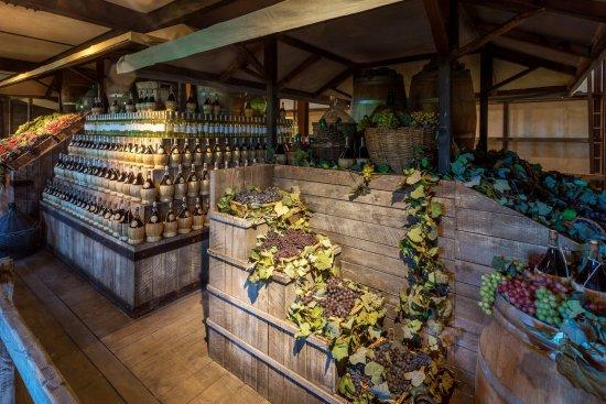 MuSeM - Museo Sensoriale e Multimediale del Vino: Mercato del vino di Dante Ferretti