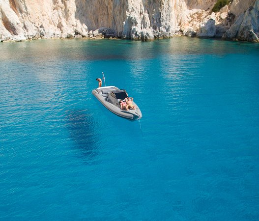 Platis Gialos, Griekenland: Relaxed, joyful monents at the beautiful bay of Poliegos during a boat tour with Rib Adventures