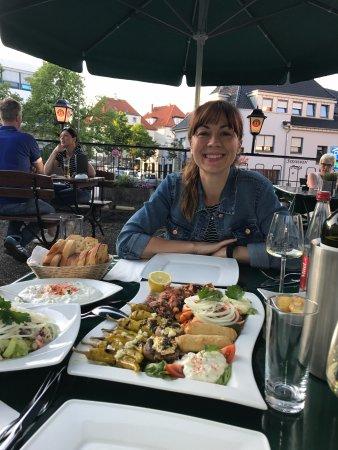 Bad Salzuflen, Deutschland: Exzellente Vorspeisenplatte und Wein so richtig wie in Griechenland
