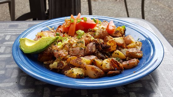 Harris Avenue Cafe and Tony's Coffee: El Diablo Scramble (sausage, peppers, eggs, cheese, avocado, tomato and potatoes)