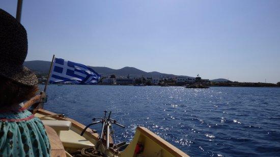 Naoussa, Greece: Départ de Paros vers Antiparos