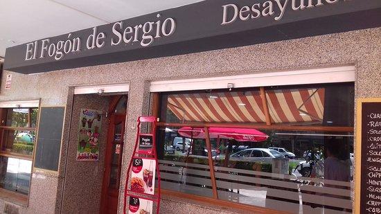 Province of Seville, Spain: como veis, los precios estan en la puerta en grande