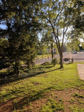 Anniston, Алабама: Bay Window King Room