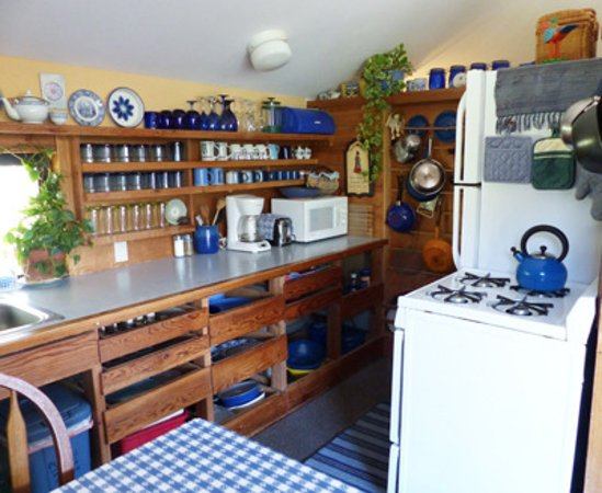 Three Rivers, CA: View of kitchen at Cort Cottage