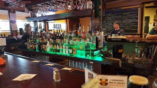 Granby, CT: Full Bar