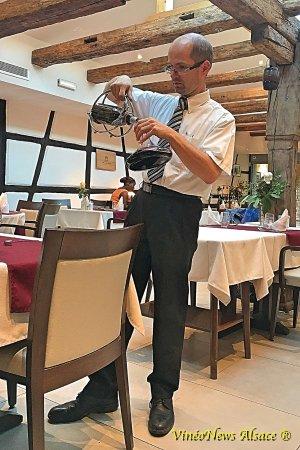 Wintzenheim, France: Un très bon service, une bonne cuisine et une carte des vins à tomber