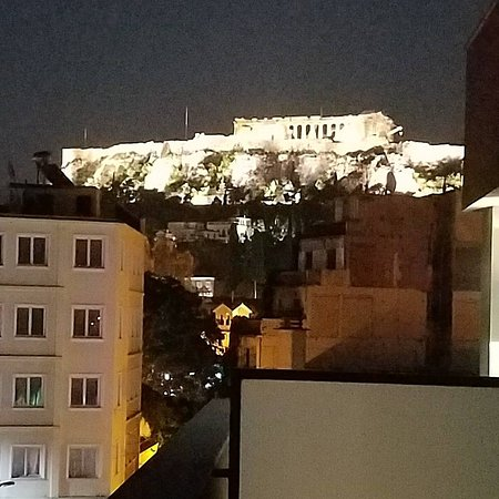 Acropolis view suite picture of o b athens boutique for Best boutique hotels athens