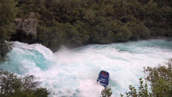 Taupo, Nueva Zelanda: สายน้ำกับ ฮูก้า เจ๊ท