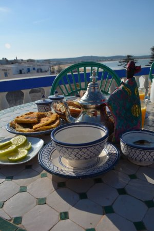 Villa Maroc: Choose to breakfast in your room or in one of the many intimate salons. Al Fresco is a delight