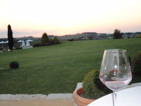 Saint-Nexans, Франция: Sunset dinners