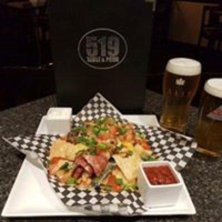 Walkerton, كندا: Nacho's and beer