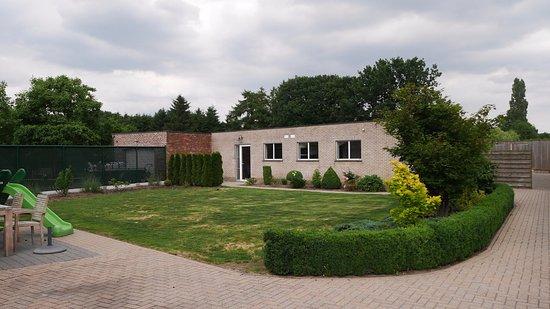 Turnhout, Belgien: De b&b bestaat uit twee kamers in de tuin