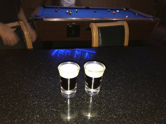 New Wave Moved To Soi Offers Pool Tables Big Screens To Watch - Big 5 pool table