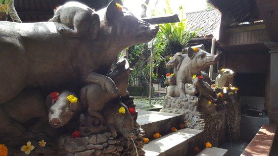 Warung Babi Guling Ibu Oka 3: 20170526_131234_large.jpg