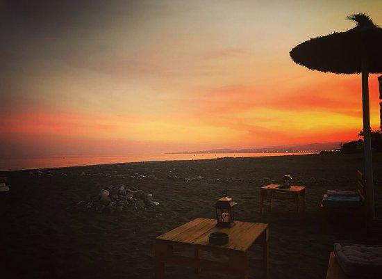 Algarrobo, Spagna: The sunset for drinks on the beach