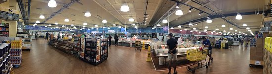 Doraville, GA: Seafood and meat area