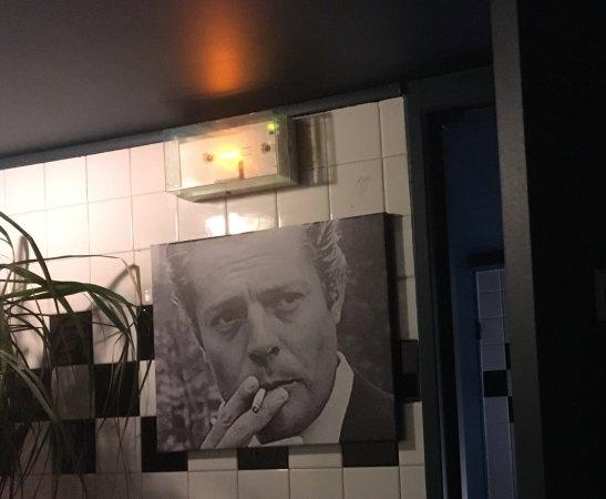 Neuilly-sur-Seine, Frankreich: Entrée des toilettes hommes