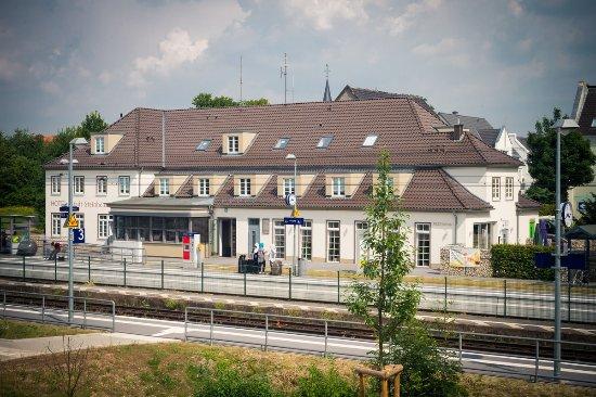 ELENA Restaurant im Bahnhof Steinheim