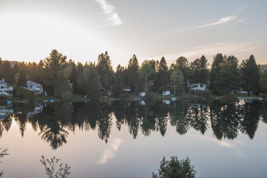 Val David, Canadá: Vu de la terrasse sur le toit