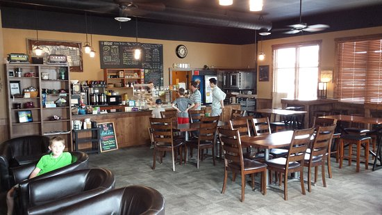 Lake City, MN: Excellent coffee shop with a lot of space!