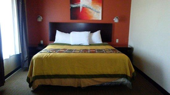 Blue Bay Inn & Suites: June 17,2017