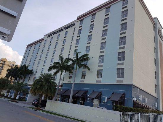 Best Western Premier Miami International Airport Hotel & Suites: Frontansicht