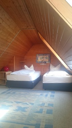 Hotel und Restaurant Goldenes Fass : Спальня на втором этаже