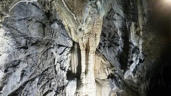 Grotta del Vento : STALAGMITI