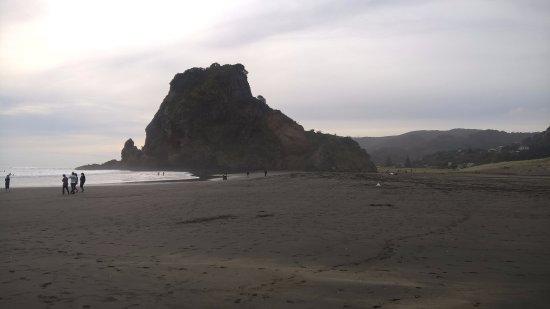 Piha, Nowa Zelandia: วิวหาดปีฮะ