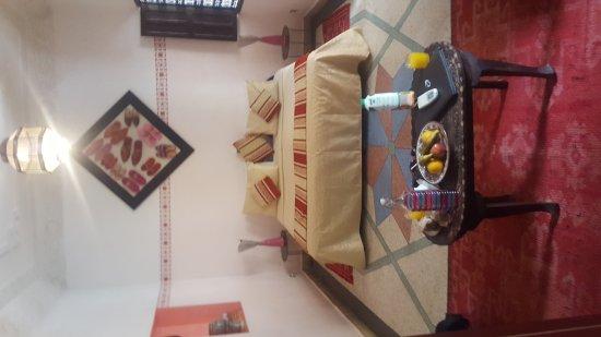 Riad Abaca Badra: 20170609_141926_large.jpg