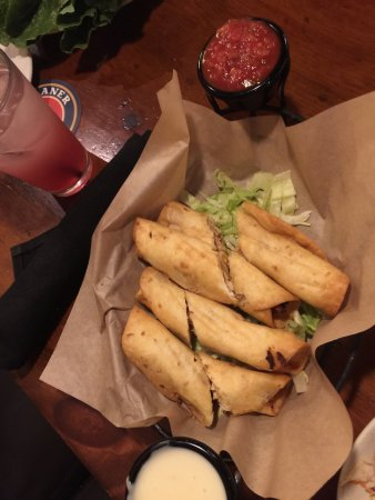 Woodbury, MN: Great chicken taquitos, & chicken lettuce wraps.