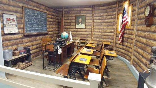 Alamosa, CO : Schoolroom exhibit