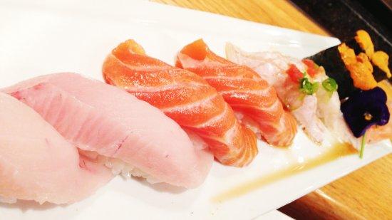 Hamachi Sushi Salmon Sushi Picture Of Matsuya Chicago Tripadvisor