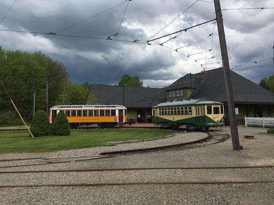 Kennebunkport, ME: Two restored trolleys waiting to take guests on a fun ride!