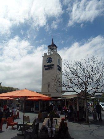 The Original Farmers Market: Relógio marcando o local