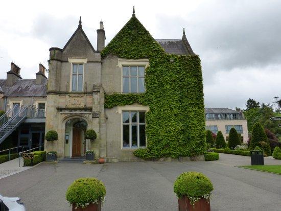 Ballymascanlon House Hotel: The main entrance