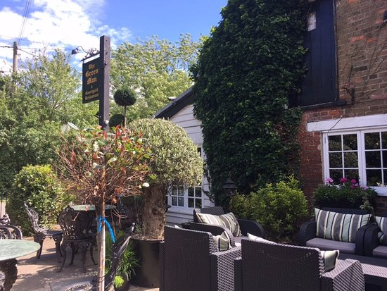 Chipping Ongar, UK: The Courtyard at The Green Man, Toot Hill