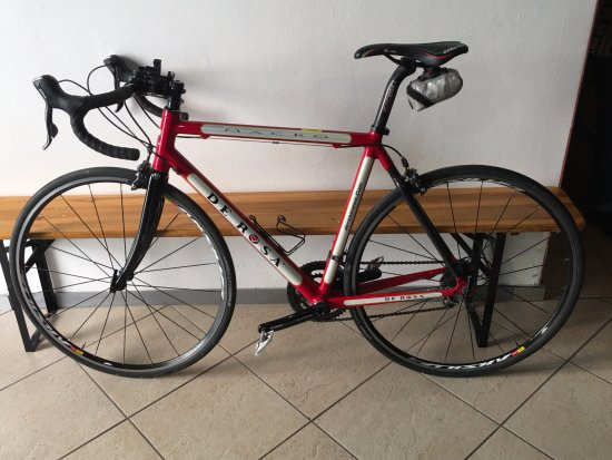 Gaiole in Chianti, Italy: The De Rosa I rented. Great condition, no problems.