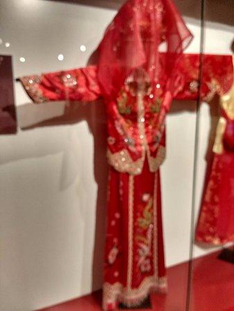 Bảo tàng Phụ nữ Việt Nam: Vestido de noiva