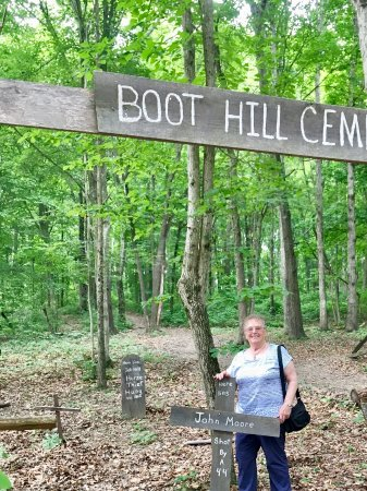 Beaver, OH: Boot Hill Cemetery