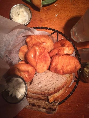 Sterling, VA: Those little rolls are addictive and awesome with butter.