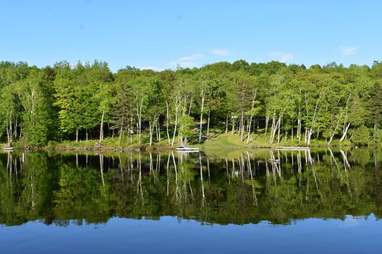Greenville, ME: Mirror imaging on pond