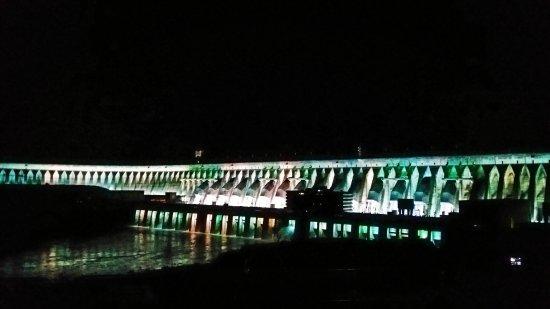 Barragem de Itaipu Binacional: IMG_20170609_203443_042_large.jpg
