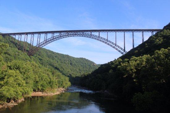 Lansing, Virgínia Ocidental: Below the New River Gorge bridge just minutes from camp