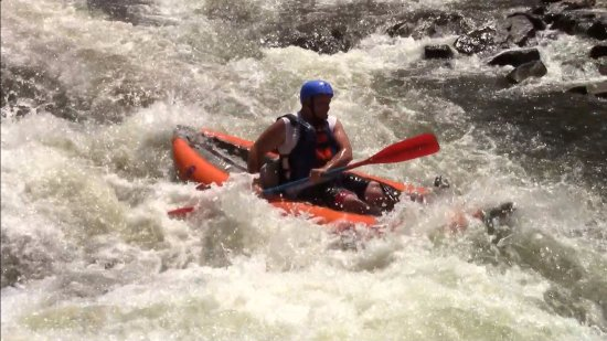 Lansing, Virgínia Ocidental: Rafting the Gauley River in ducky rafts or inflatable kayaks