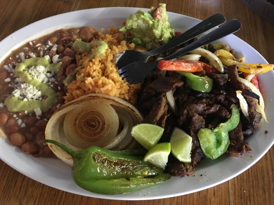 Hart, MI: Steak fajitas-fresh and delicious! Came w/warm tortillas,generous portions of rice and beans + g
