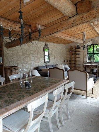"""Oppede, Fransa: The """"Orangerie"""" pool house"""