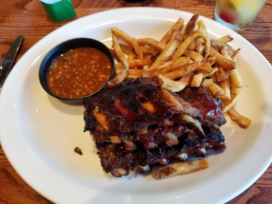 Kickback Jack's: Ribs, fries, and baked beans