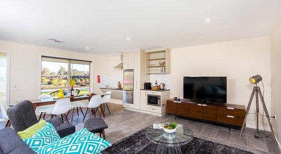 Howlong, Australien: Apartment - living area