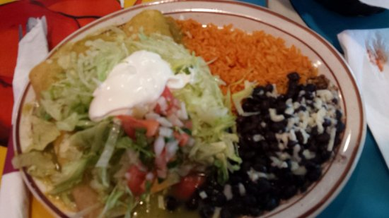 Sterling, VA: Chicken enchiladas with green tomatillo sauce, good!